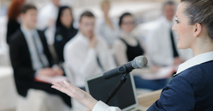 How to Build Self-Confidence in Public Speaking